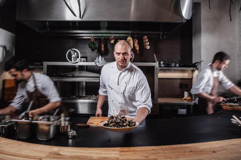 PODCAST: Rozhovor s Janem Kvasničkou – kreativním šéfkuchařem skupiny Gare Restaurants
